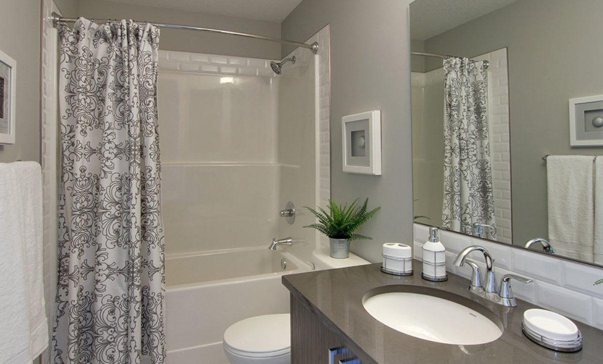 Alix Main Bathroom Gallery